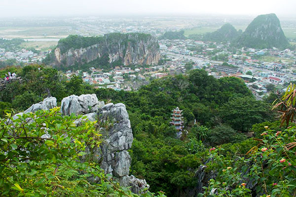Vẻ đẹp hùng vĩ của núi Ngũ Hành Sơn