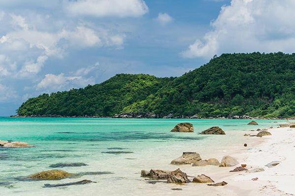 Biển Phú Quốc trong xanh
