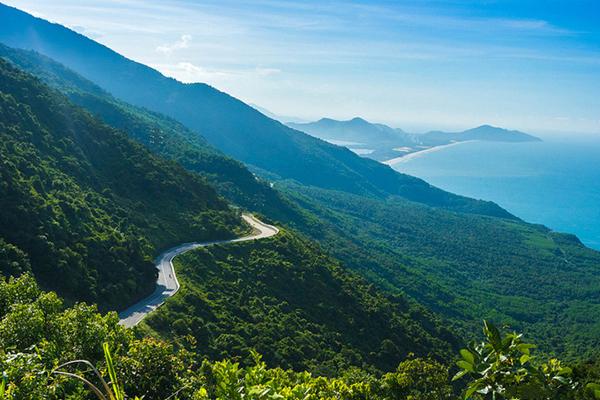 Cung đường đèo Hải Vân