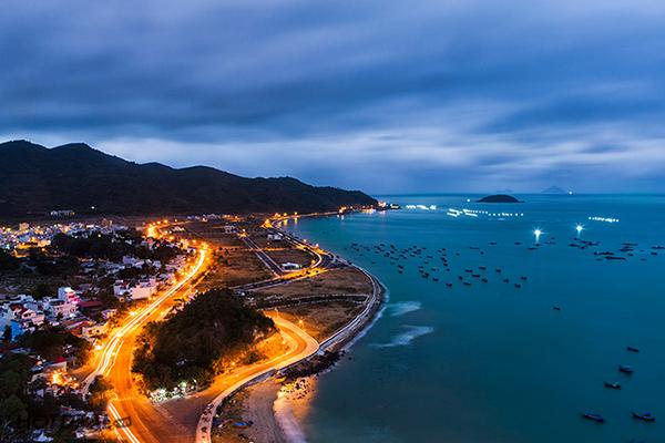 Thành phố Nha Trang lên đèn về đêm