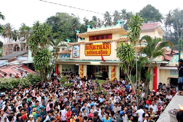 Lễ hội Đình thần Dương Đông