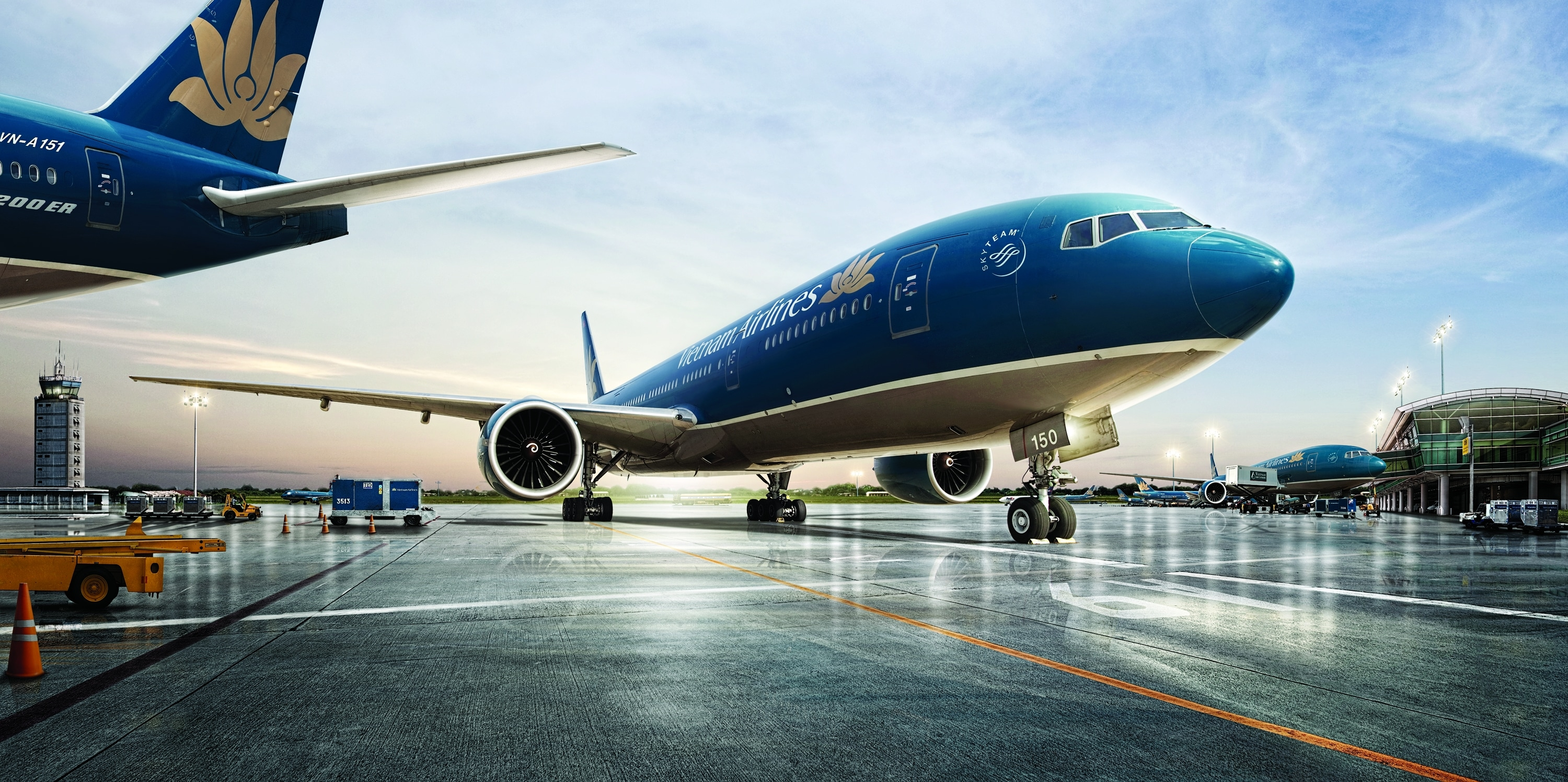 ve-may-bay-di-vietnam-airlines
