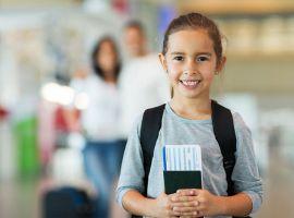 Giấy tờ cần chuẩn bị cho trẻ em khi đi máy bay
